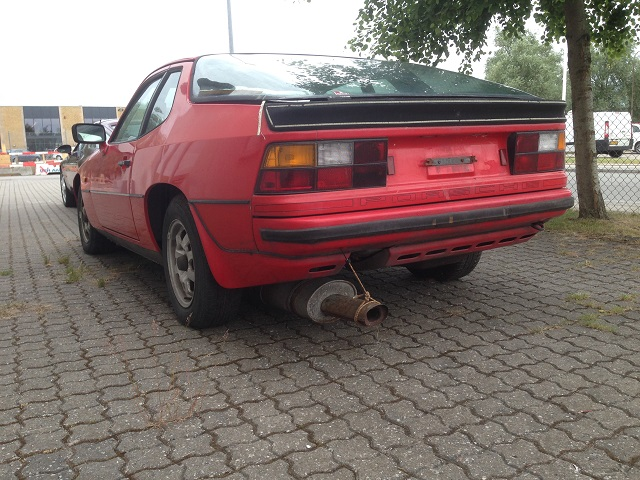 MMS fra Pernille med billede af min Porsche 924 Donorbil