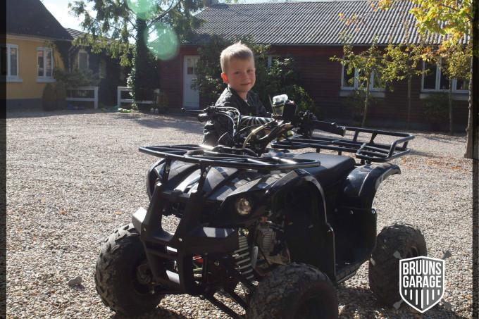 Alfred med sin ATV